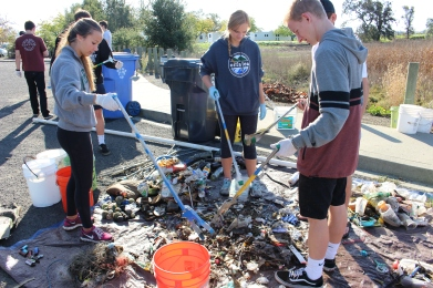 photo of another river clean-up effort at Kennedy Park